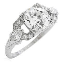 Antique Art Deco 2.10 carats European Diamond Platinum Engagement ring