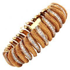 Vintage 10 Carat Diamond 18K Yellow Gold Flexible Wide Link Bracelet