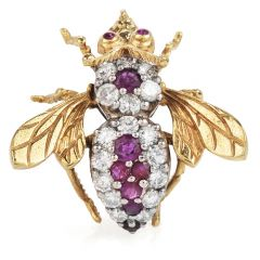 Vintage Diamond and Ruby Bee Brooch18k Gold  pin