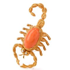 Vintage Diamond Coral 18K Gold Scorpion Oval Cabochon Pin Brooch