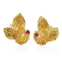Tiffany &. Co Vintage Diamond Ruby 18K Gold Sputnik Flower Clip Earrings