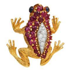 Retro Vintage Diamond Ruby Sapphire 18K Gold Textured Frog Brooch Pin