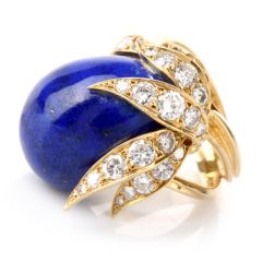 Vintage Diamond Lapis Lazuli Floral Motif 18K Cocktail RIng