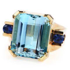 Vintage 12.31 carats Aquamarine Sapphire18k Gold Cocktail Ring