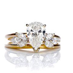 Estate Pear Cut Diamond 14K Gold Bridal Set Engagement Ring