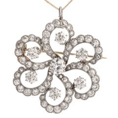 Vintage Floral Motif Diamond 18K Platinum Pendant Brooch